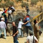 Comincia la repressione dell'esercito di occupazio